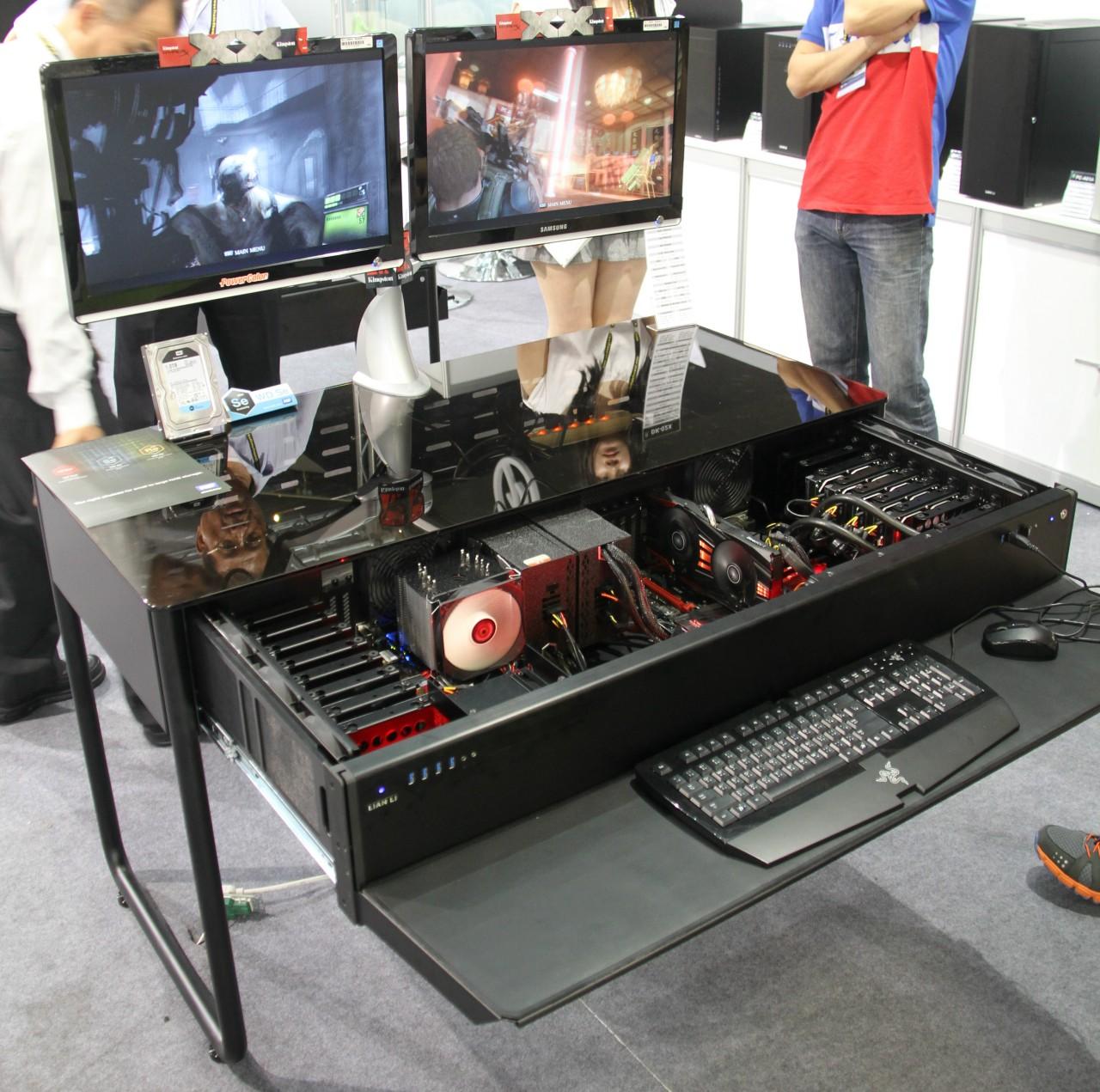 bureau pc gamer meuble le coin gamer. Black Bedroom Furniture Sets. Home Design Ideas